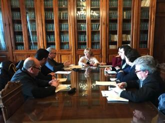 Foto dell'incontro fra i Sindacati e il prefetto di Messina Maria Carmela Librizzi