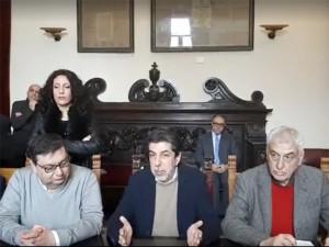 conferenza stampa dopo la bocciatura del piano di riequilibrio