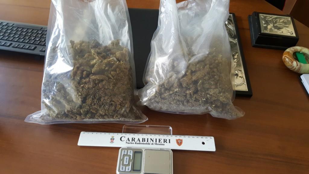 Foto della marijuana sequestrata dai carabinieri