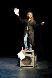 """Foto dello spettacolo """"Me ne vado"""" di Marcela Serli, al Teatro dei 3 Mestieri di Messina"""