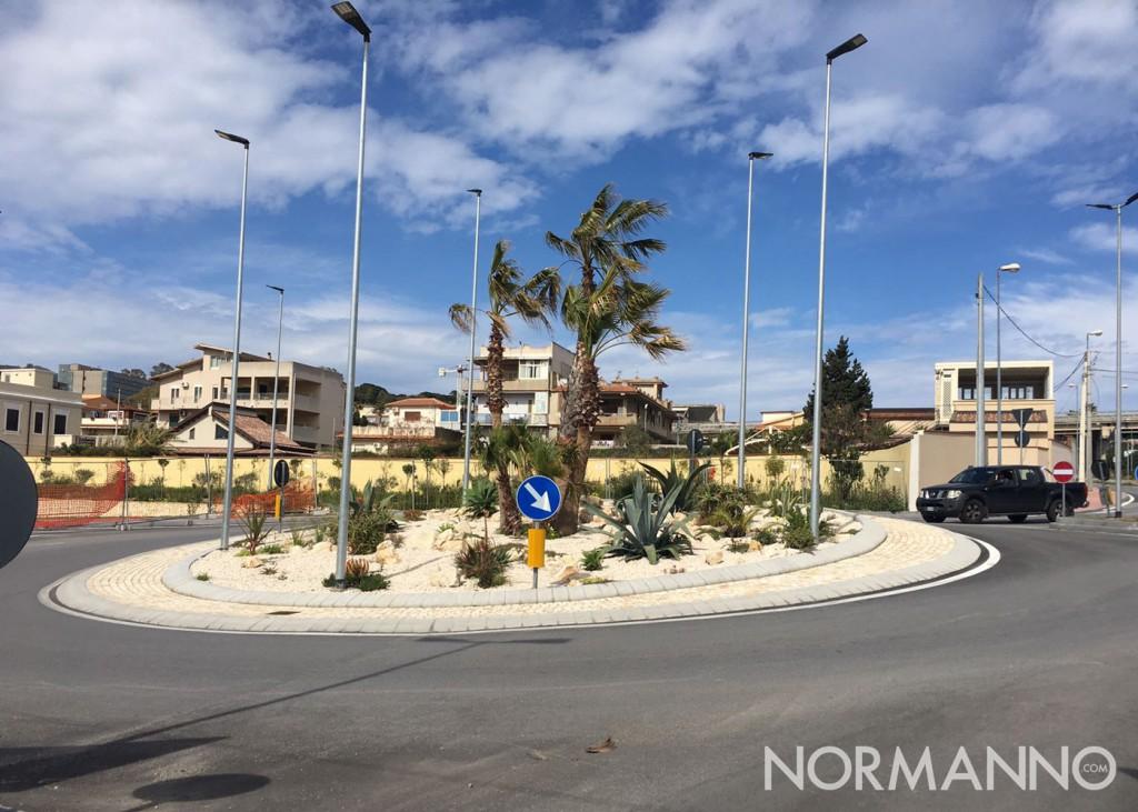 Foto della rotatorio completata sul viale Papardo, Messina