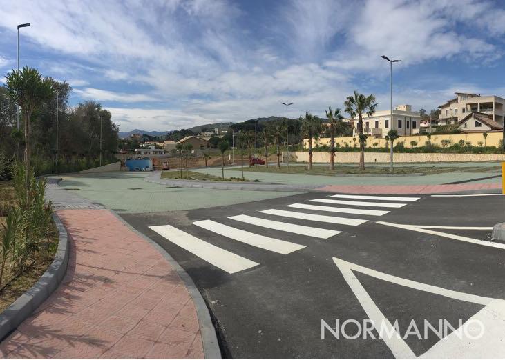 Foto del parcheggio del centro commerciale, prossimo al completamento, sul viale Papardo, Messina