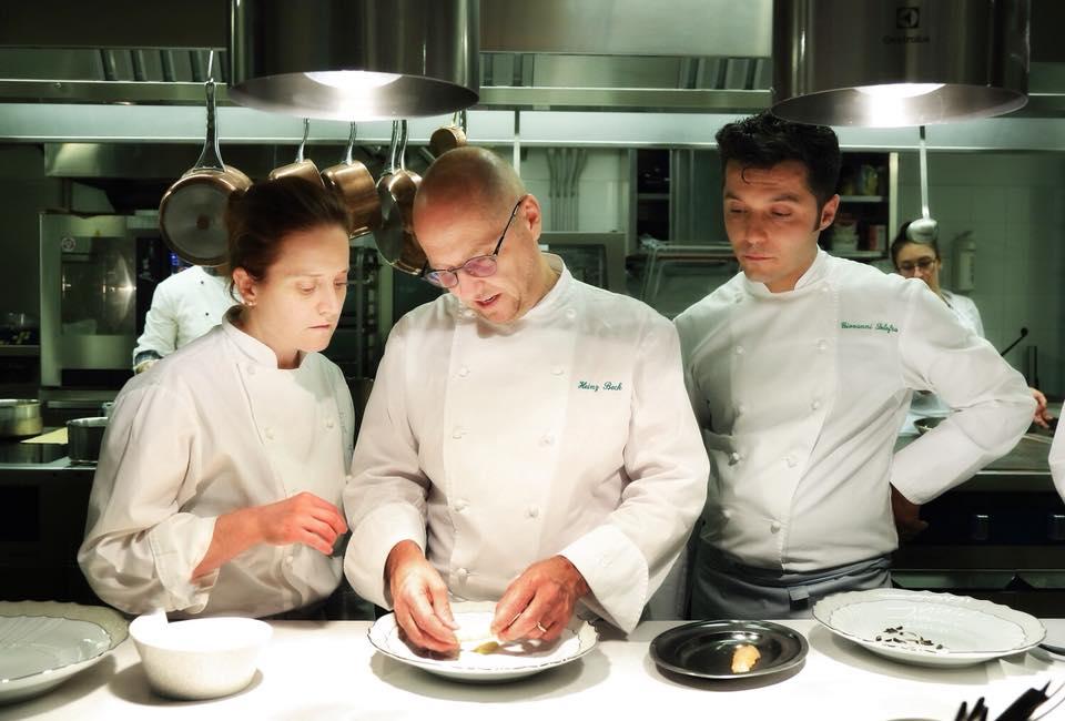 lo chef stellato e il suo team al saint georg restaurant dell'ashbee hotel di taormina