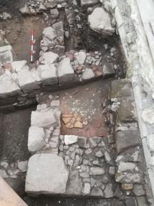 scoperti nuovi reperti durante scavi a mistretta - messina
