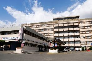 Tragedia al Policlinico di Messina. Una donna si getta dal terzo piano e muore