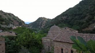 foto delle Cupole della Chiesa Normanna di Mili San Pietro - Messina