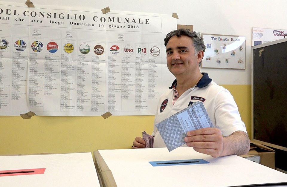 Pippo Trischitta vota - Elezioni amministrative 2018 Messina