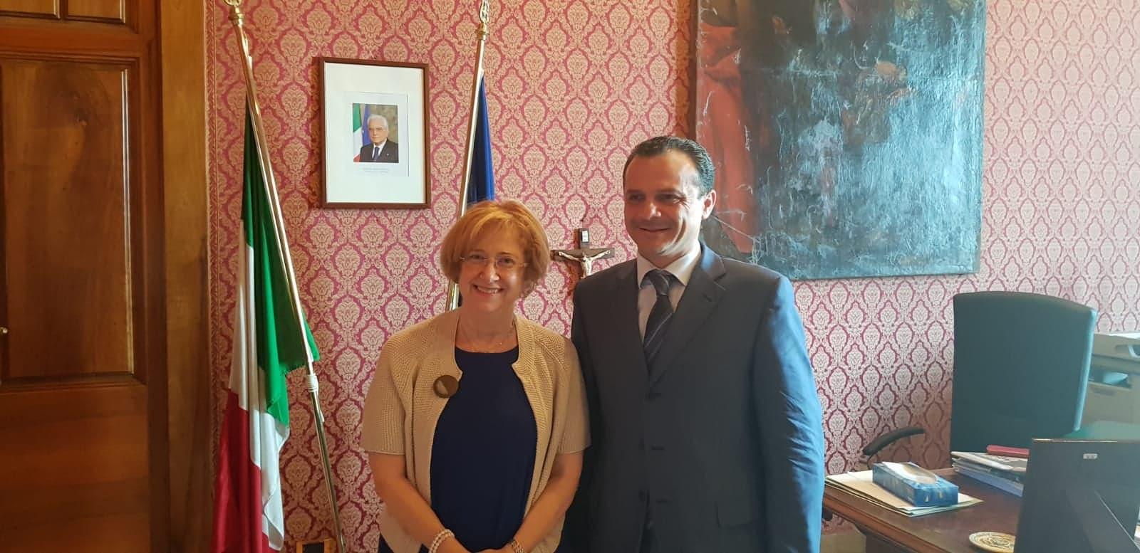 Messina, Cateno De Luca, e il Prefetto, Carmela Librizzi