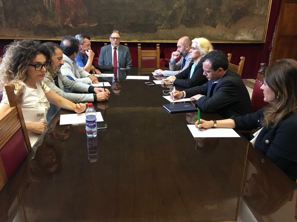 Cateno De Luca- assessori- riunione giunta