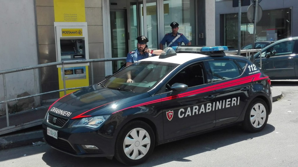 Carabinieri presso Poste via san Cosimo