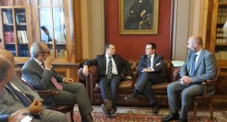 Cateno De Luca e i suoi assessori insieme ai Presidenti Michele Galluccio e Vincenzo Ciraolo