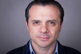 Primo piano di Cateno De Luca - sindaco di messina