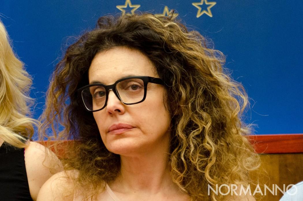 Primo piano dell'assessore Carlotta Previti, giunta di Cateno De Luca - Messina
