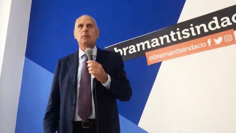 Conferenza stampa Dino Bramanti in vista del ballottaggio con De Luca a Messina