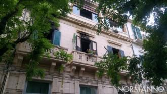 Foto dell'appartamento danneggiato dall'incendio in via dei Mille, Messina