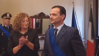 Fotogramma della cerimonia di insediamento del nuovo sindaco metropolitano, Cateno De Luca