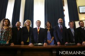 De Luca e la Giunta disertano l'Aula per protesta: è di nuovo scontro con il Consiglio Comunale