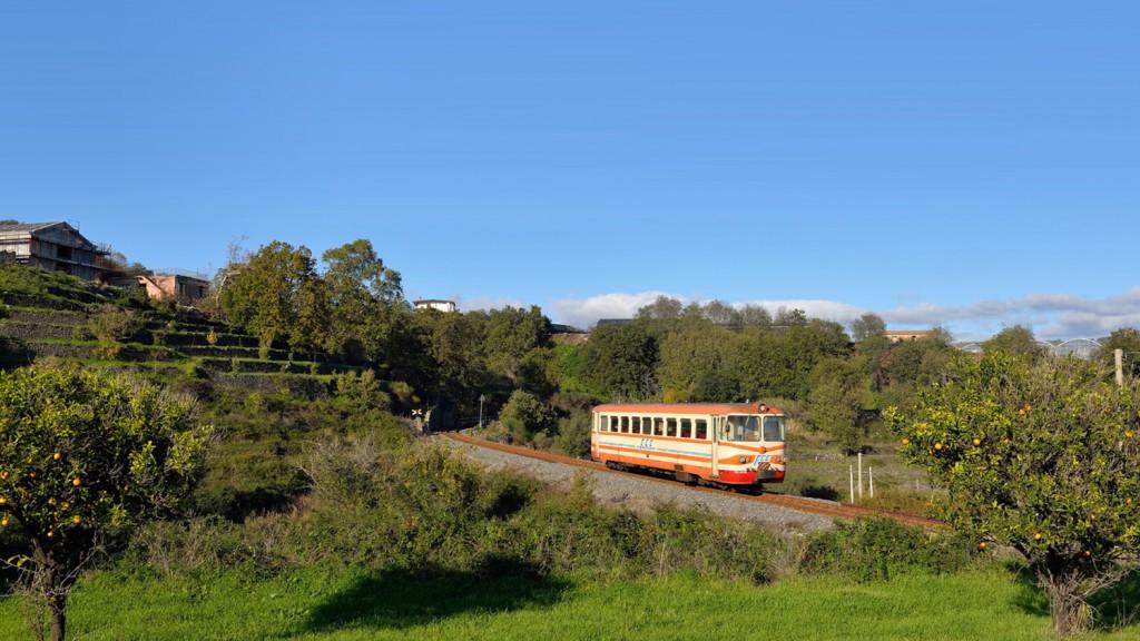 Foto dal sito di fondazionefs, treno storico del gusto - Catania - Bronte - randazzo