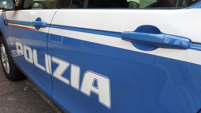 foto della volante della Poliza