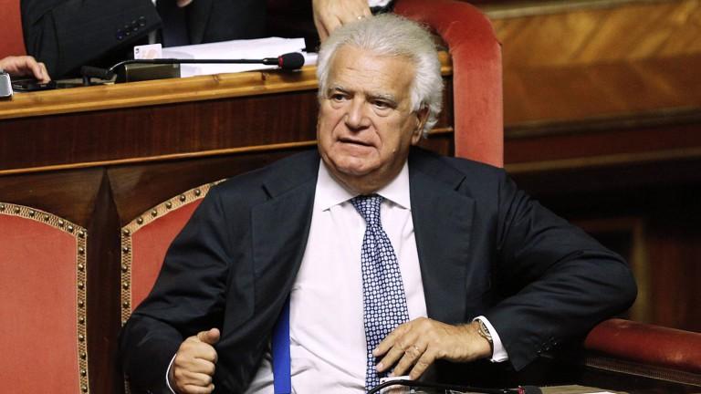 Primo piano dell'ex senatore Denis Verdini