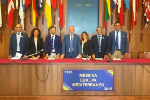 M5S: «Se De Luca si dimetterà, sarà ricordato come uno dei peggiori sindaci di Messina»