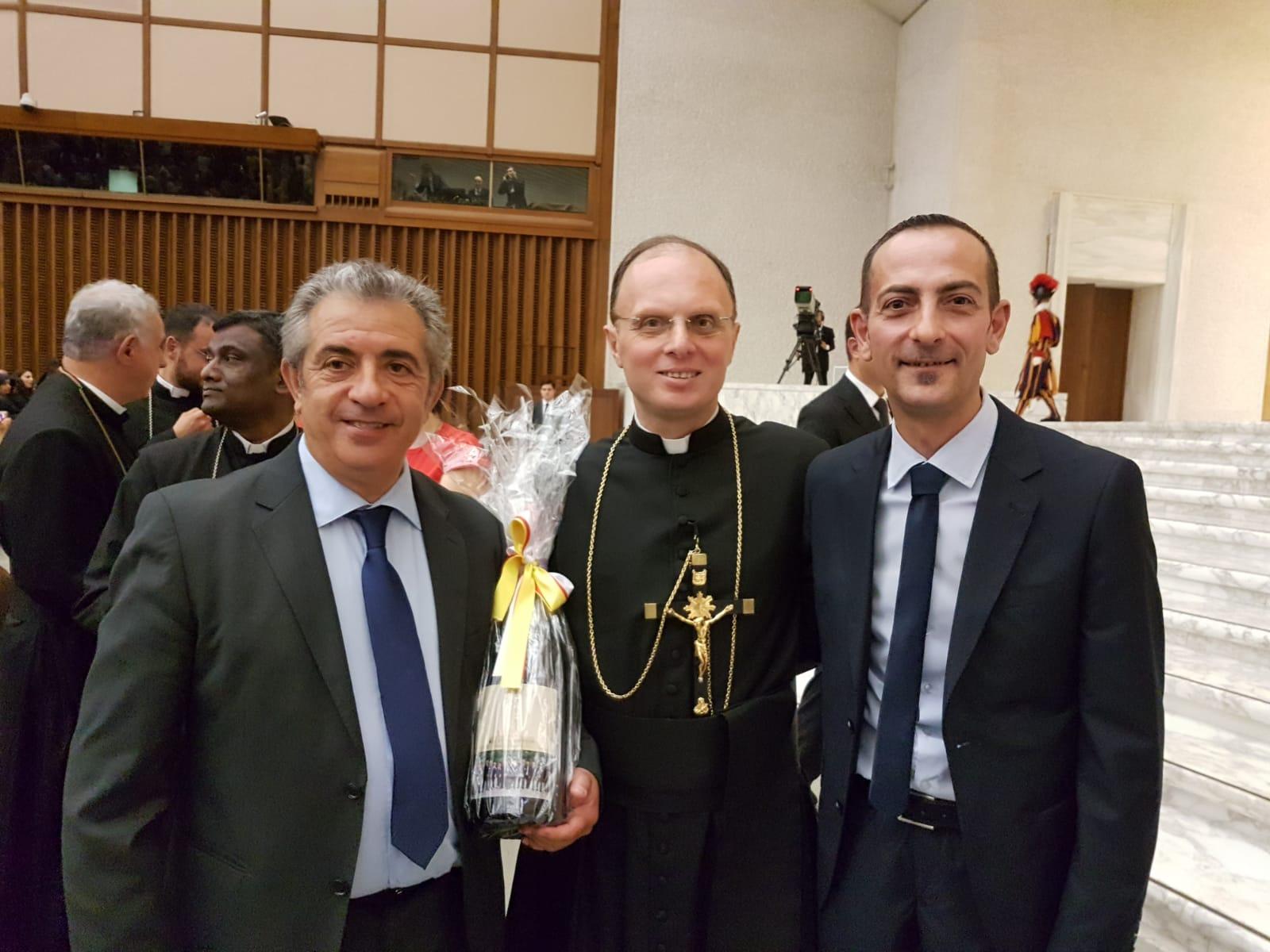 Foto di Mimmo Sorrenti prima dell'incontro con Papa Francesco - Birrificio Messina