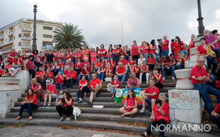 manifestazione magliettarossa organizzata da libera per promuovere l'accoglienza - messina