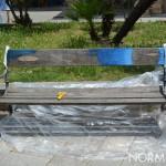 Foto di una panchina durante le attività di restauro realizzate da PuliAmo Messina