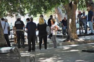 vigili che fanno multe in piazza xx settembre