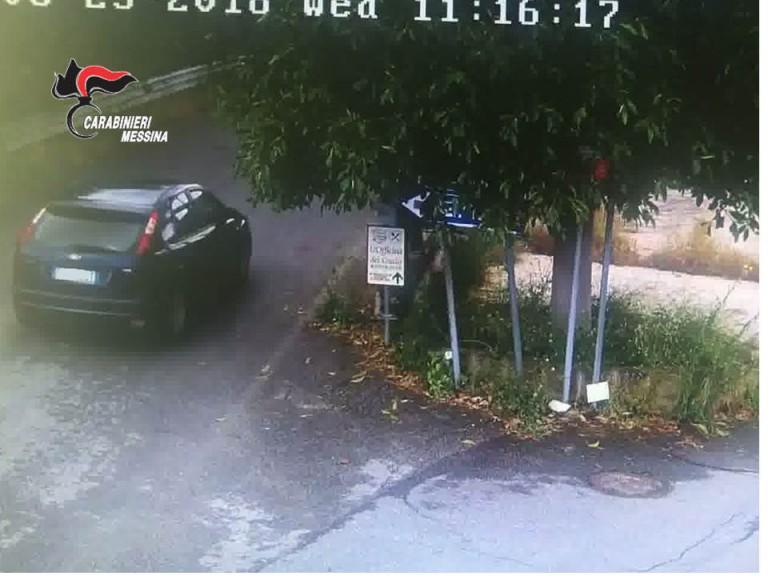 Foto della vettura utilizzata per la truffa ai danni di un'anziana donna a Falcone