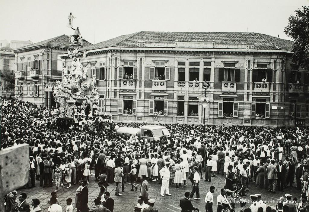 Vara in via Garibaldi negli anni 60