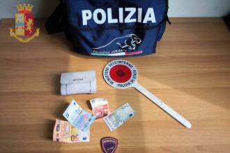 arresto furto portafogli