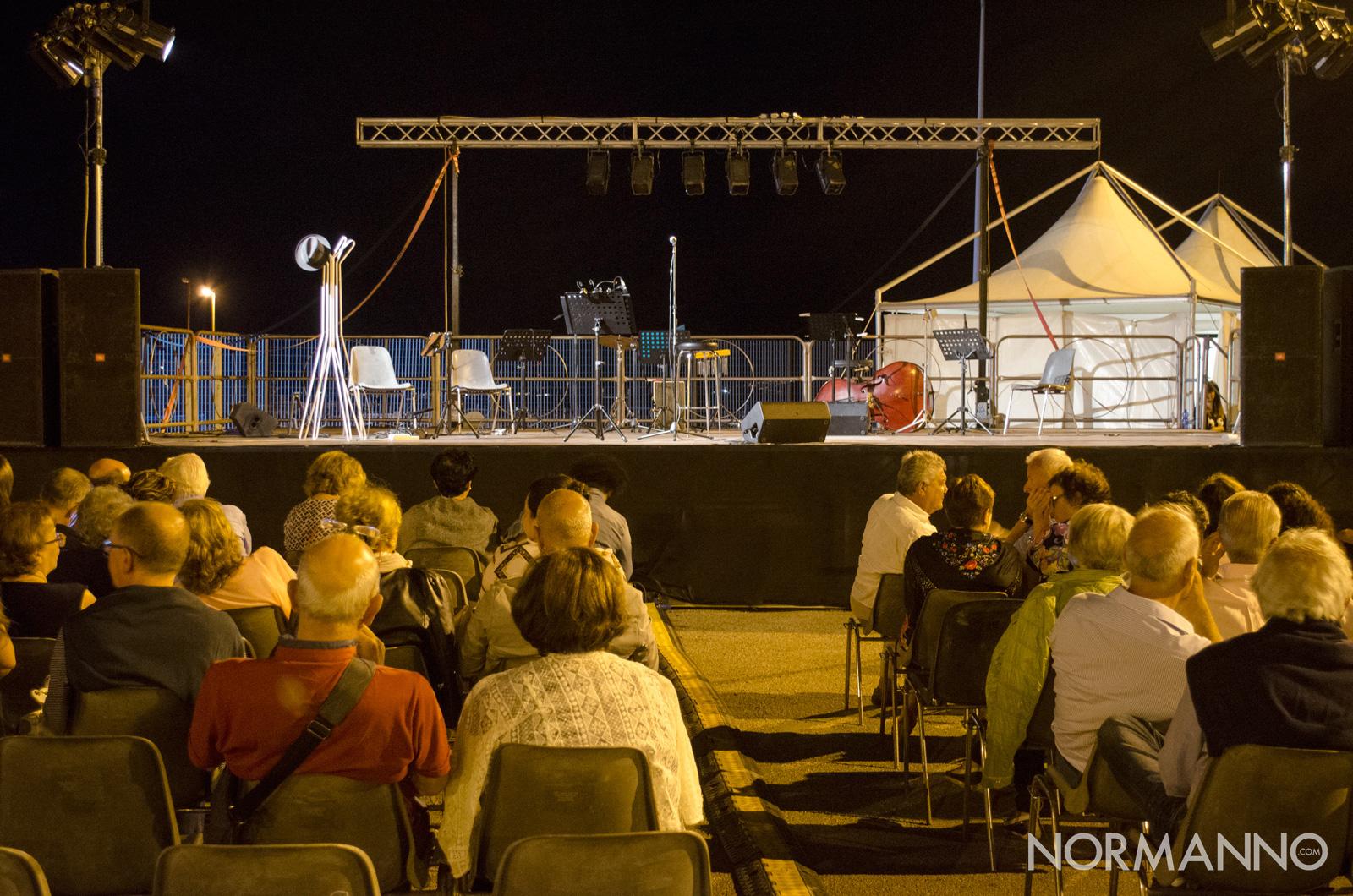 Foto del palco per gli spettacoli dell'agosto in fiera a messina 2018