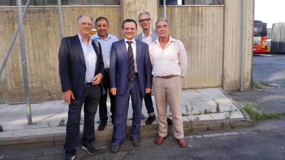 blitz notturno atm messina del sindaco cateno de luca e della giunta comunale