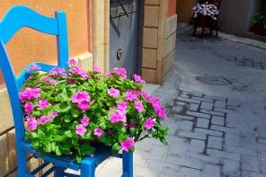 Messina. Le vie di Mili San Pietro si tingono dei colori dell'arcobaleno