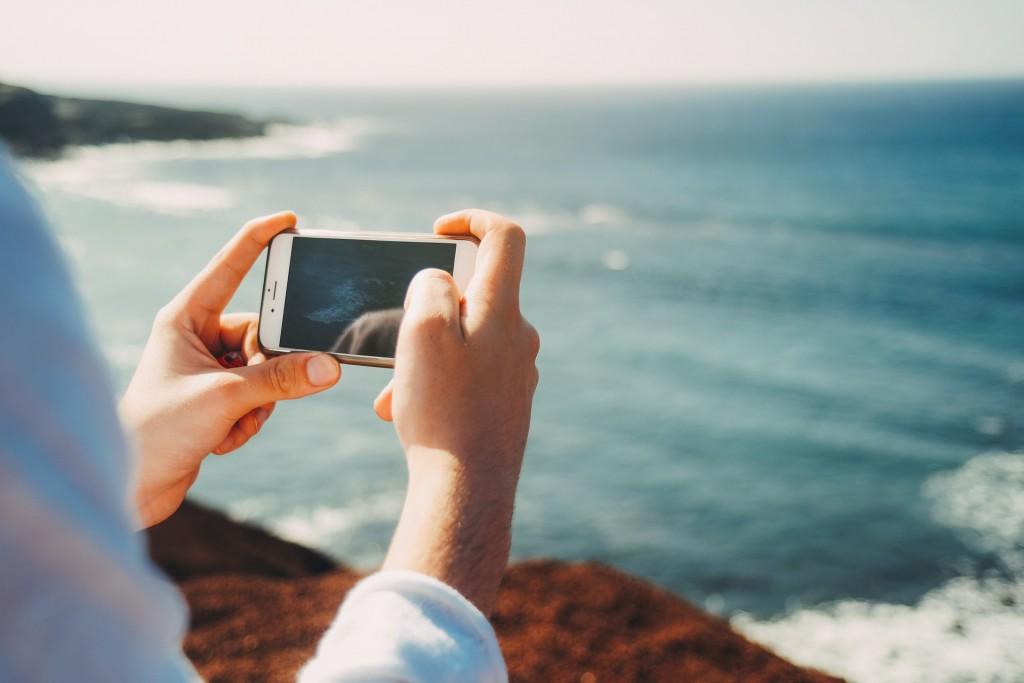 vacanze connesse smartphone