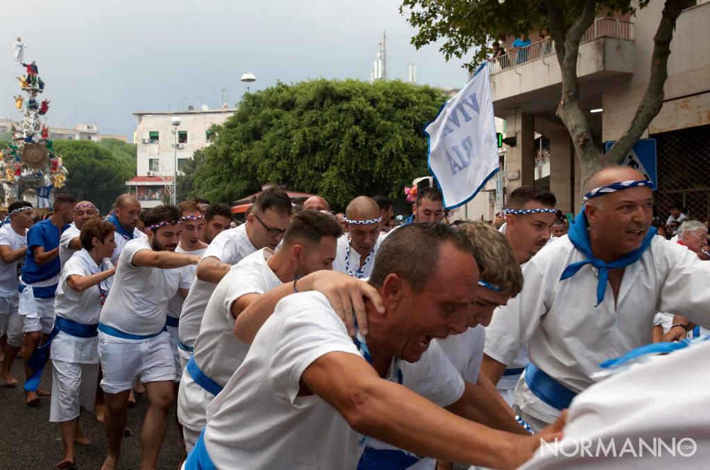 foto dei tiratori alla partenza della Vara da piazza Castronovo - Messina, 2018