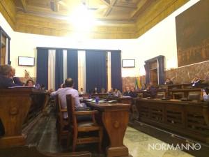 consiglio comunale - votazione della delibera di modifica del regolamento - messina