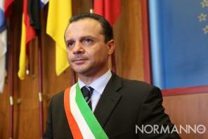 Elezioni europee. De Luca ribatte a Saitta e al M5S: «Accuse frutto della paura»
