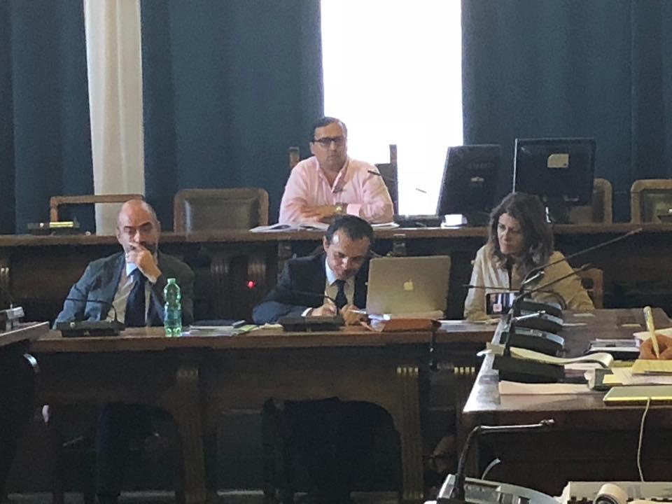 discussione del salva messina in consiglio comunale con il sindaco cateno de luca