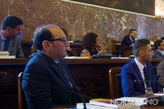Foto dei consiglieri M5S in aula, consiglio comunale Messina