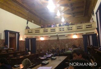 il consiglio comunale vota le 30 delibere del salva messina