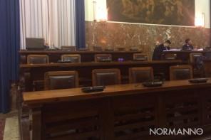 Terzo atto del Salva Messina: tra fischi e liti è SI anche sui servizi sociali