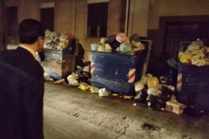 Emergenza Rifiuti a Messina. De Luca scende in strada: «Situazione critica»
