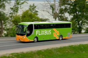 Flixbus approda in Sicilia: 17 fermate sull'Isola per i bus low cost