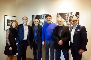 """""""Il Valzer di un giorno"""". Inaugurata la mostra fotografica dell'artista siciliano Franco Carlisi"""