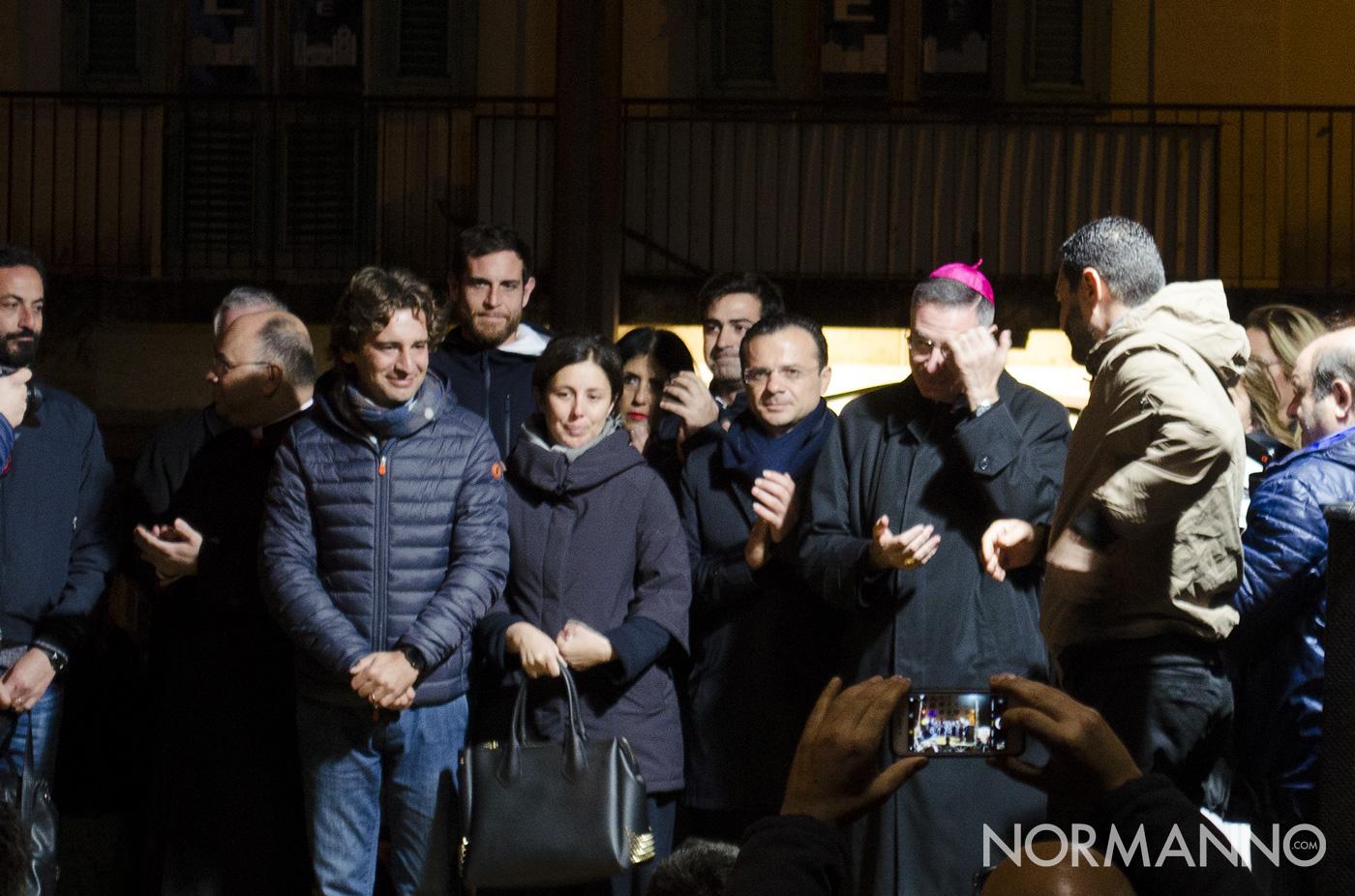 Coniugi Messina, sindaco De Luca e vescovo - accensione albero di natale 2018