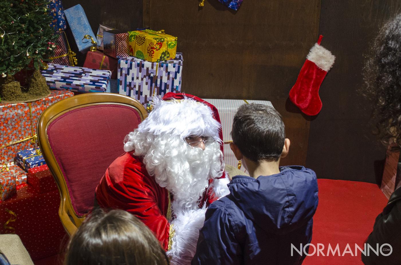 Babbo Natale riceve i bambini per raccogliere le letterine - Messina