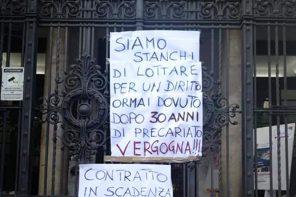 """""""Ostaggio della normativa"""": la protesta dei 95 precari dell'ex provincia di Messina"""