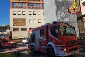 Incendio all'ospedale Papardo: Vigili del Fuoco all'opera per domare le fiamme – FOTO